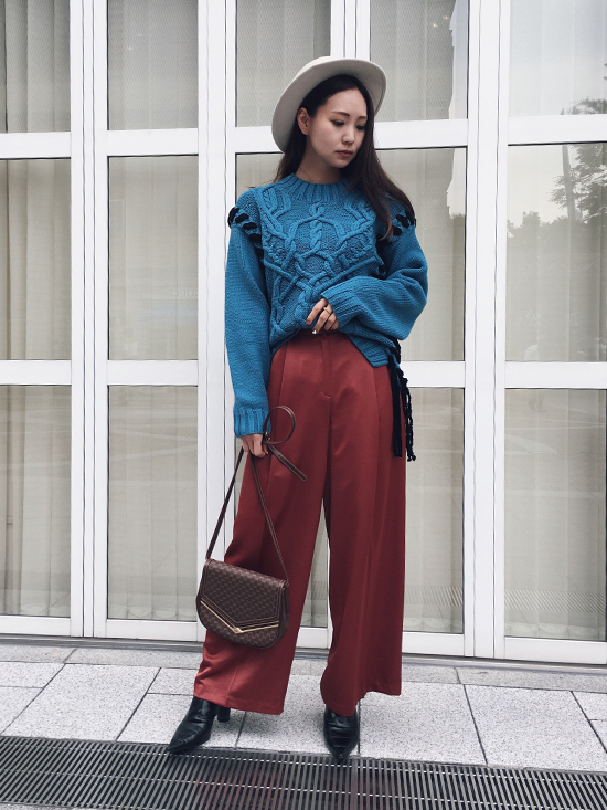maki_LACE UP CABLE KNIT