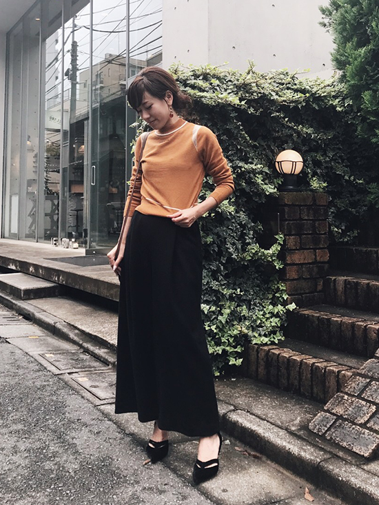 mai_UNUSUAL LINE LOGO KNIT TOP