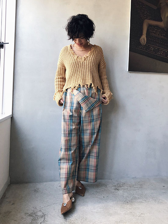 yukim_SHORT LEG CHECK PANTS