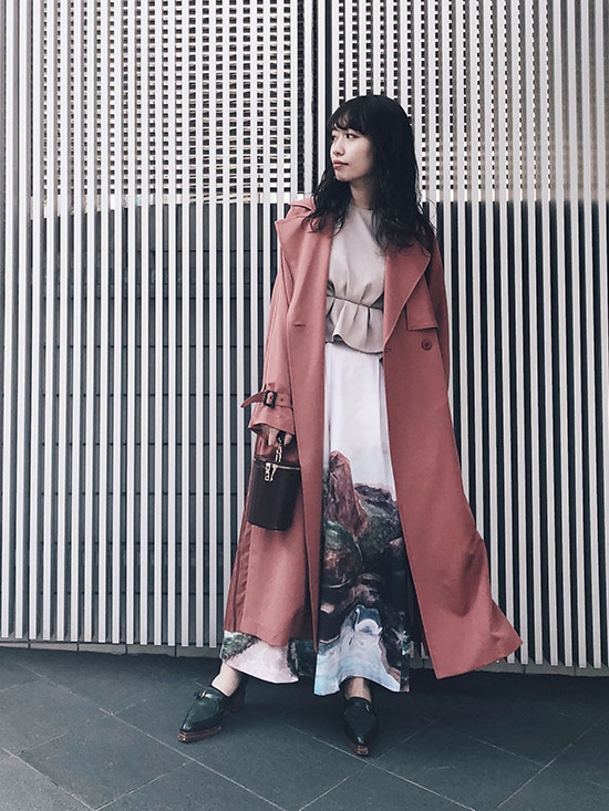 shiorioz_SEE THROUGH BACK PLEATS TRENCH