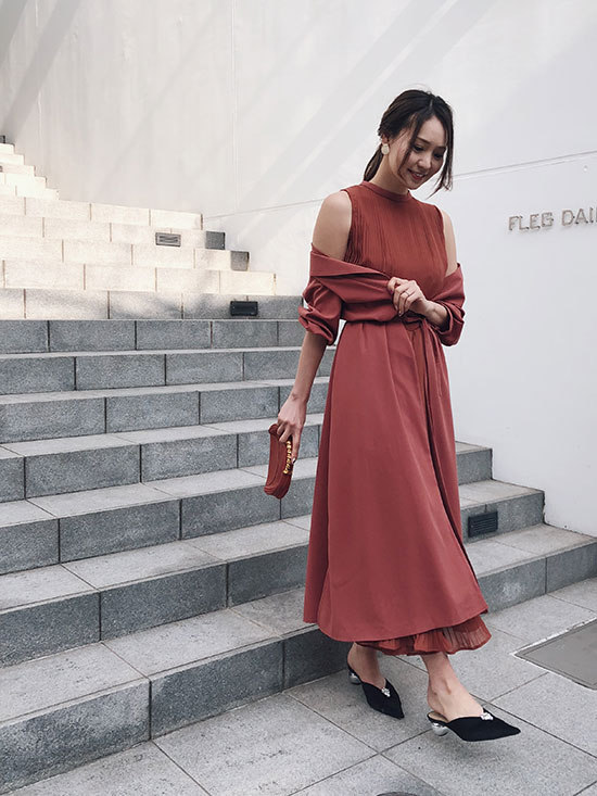 maki_FRONT PLEATS LONG DRESS