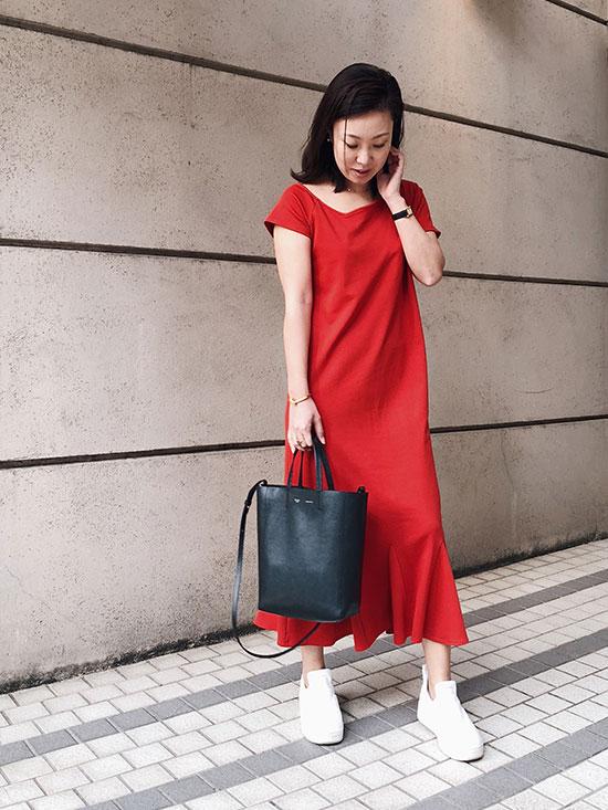 haruka_MEDI CUT NECKLINE LOW FLARE DRESS