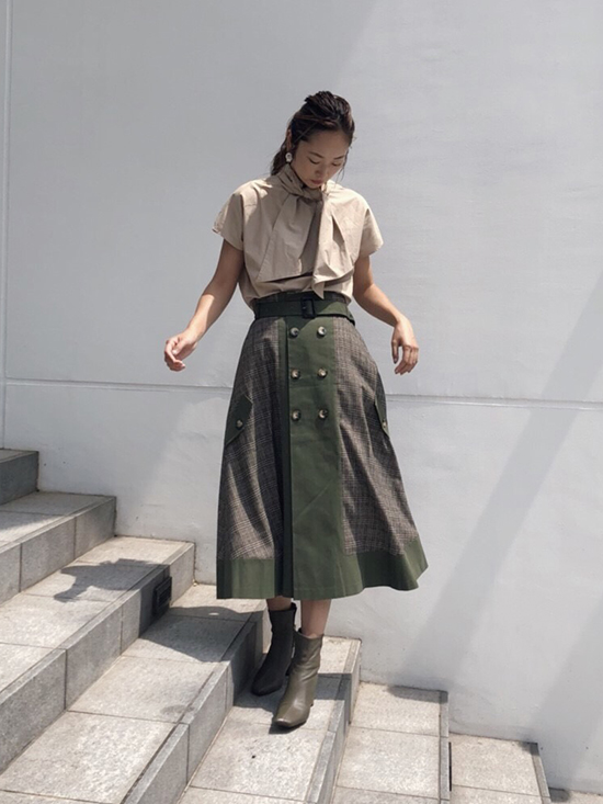 kae_CORONA SMOCK TOP