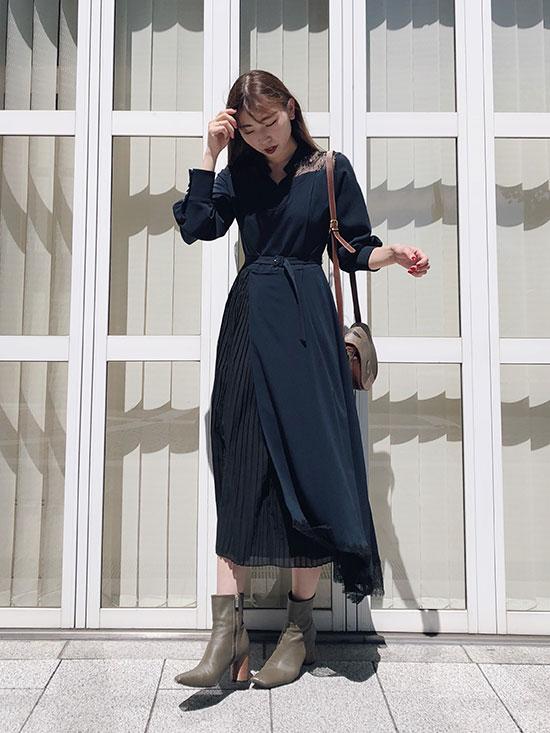 kaori_PLEATS LACE ASYMMETRY DRESS