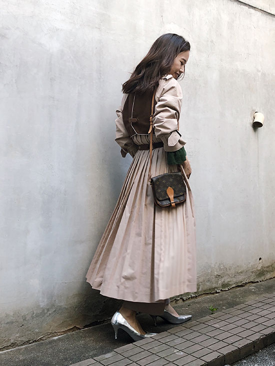 yukin_VARIOUS BACK PLEATS TRENCH