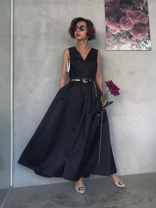 nao_LADY TUCK FLARE DRESS