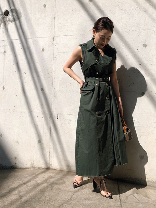 akane_CUT OFF TRENCH VEST
