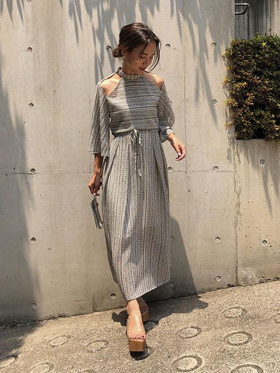 yukin_MEDI SHOULDER OPEN DRESS