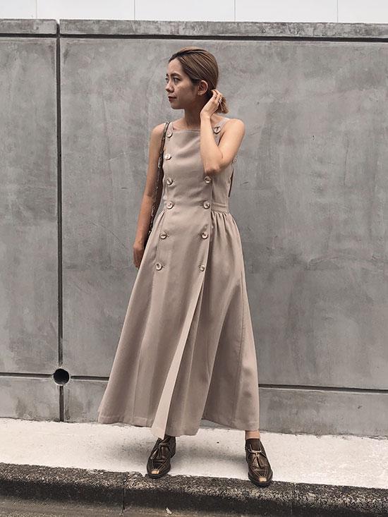 yuko_BUTTON MOTIF APRON DRESS