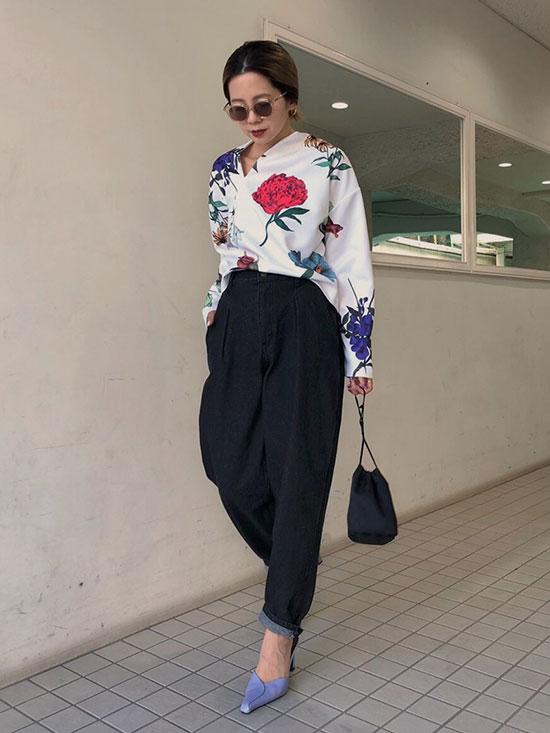 yuko_AMANDA SLIT NECK TOP