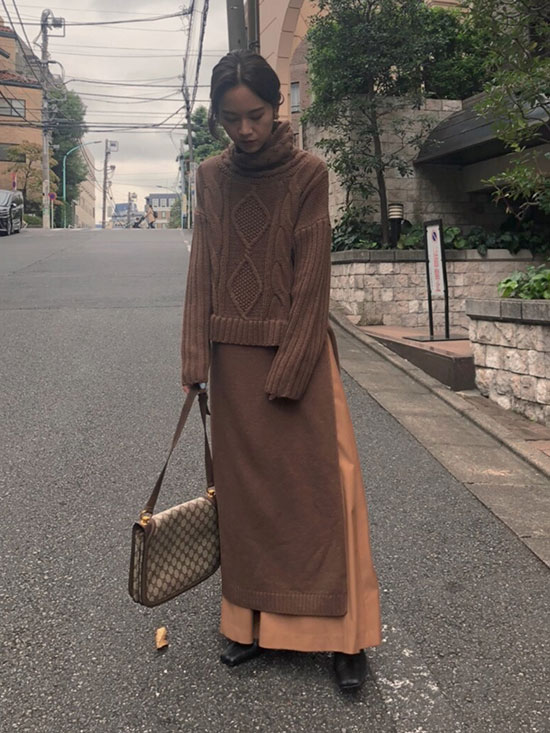 yukin_LONG SLIT CABLE KNIT TOP