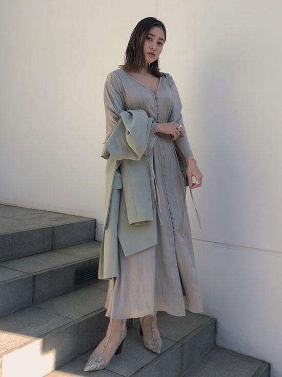 akane_TUCK SHAPE DRESS