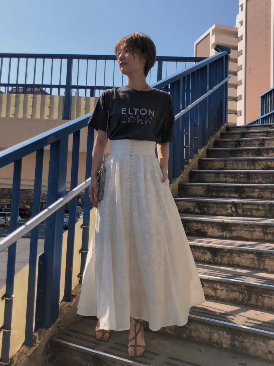 suzu_MEDI LAMP EMBROIDERY SKIRT