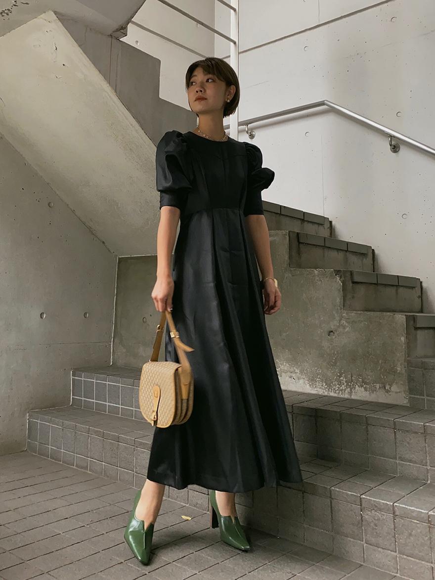 SUZU_PUFF SLEEVE FLARED DRESS