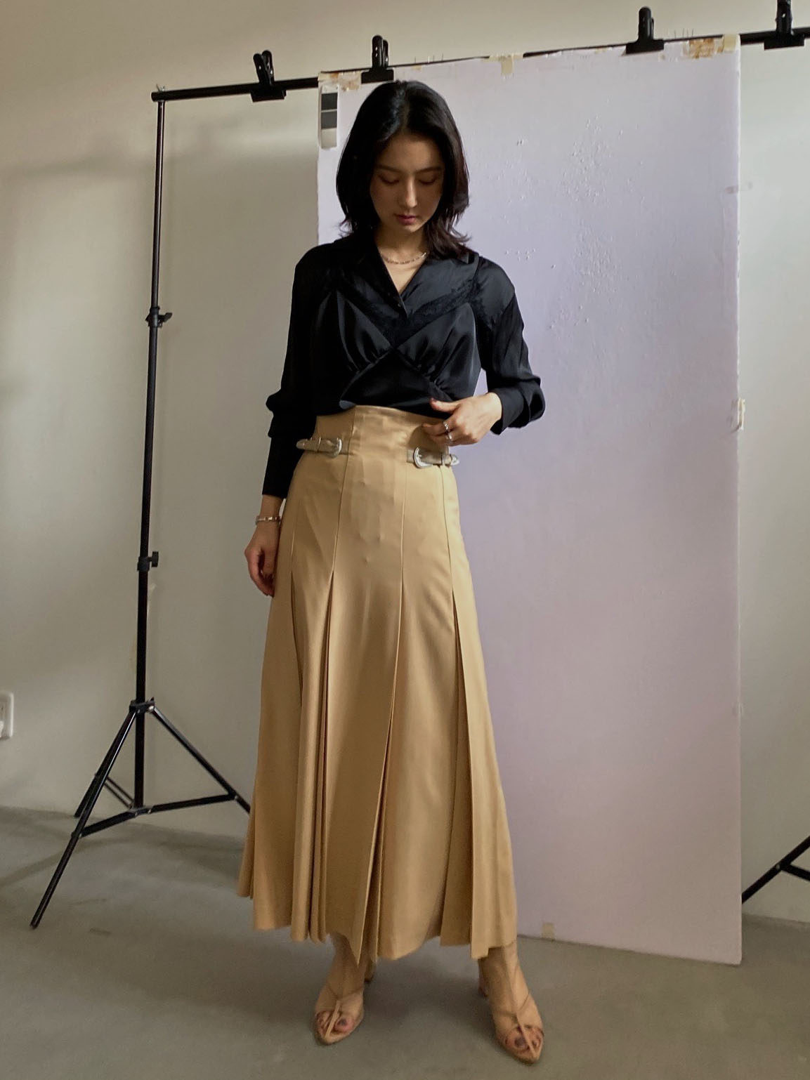 yu_TUCK PENCIL SKIRT