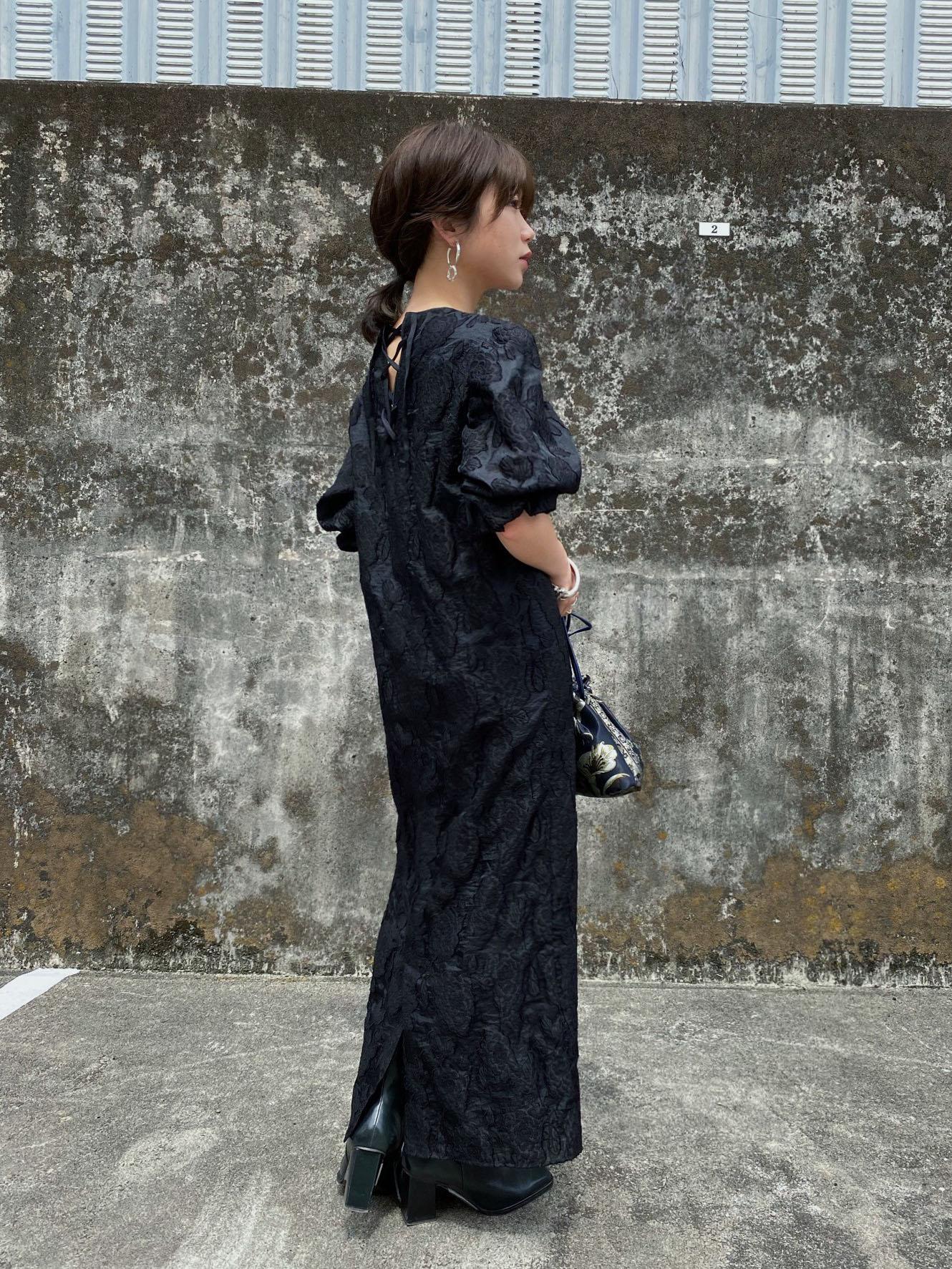 mayuna_FLOWER JACQUARD STRAIGHT DRESS
