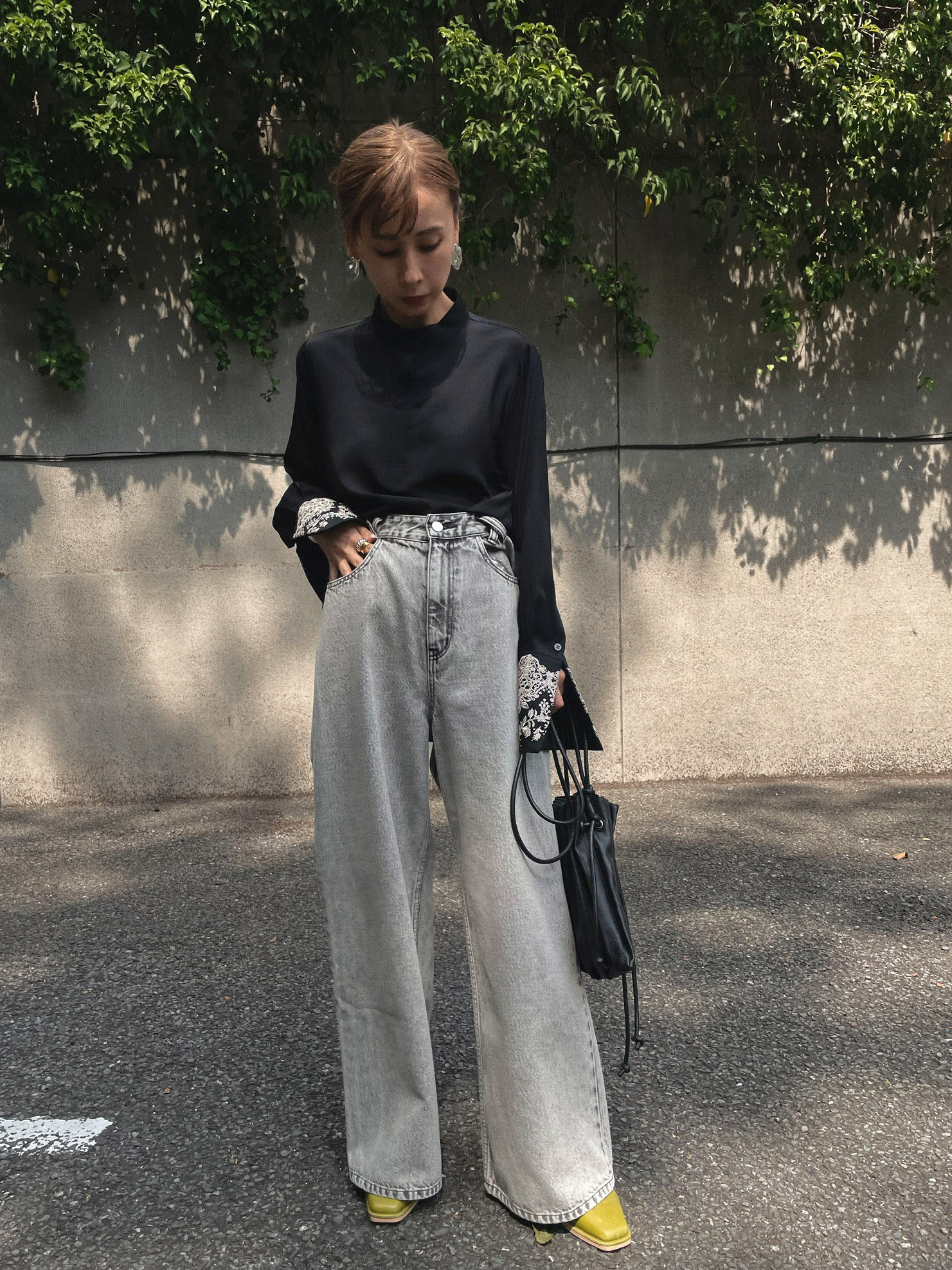 nao_EMBROIDERY CUFF BLOUSE