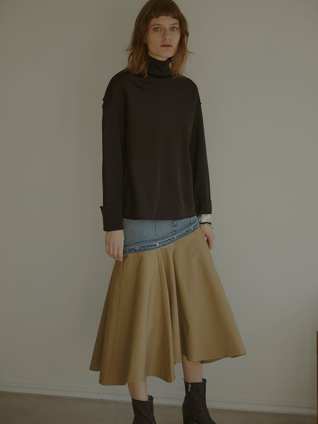 FLOWING LINE DENIM SKIRT