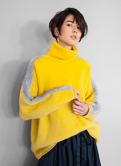 LINE OVER KNIT
