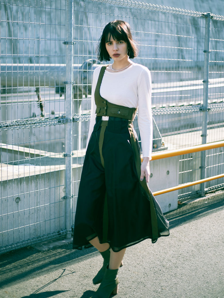 ONE SHOULDER SHEER SKIRT
