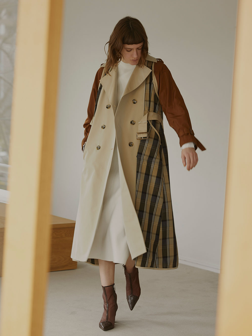 REMOVABLE TRENCH COAT