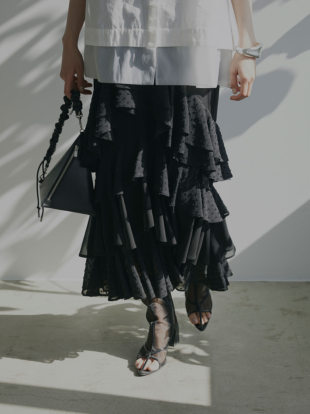 FRILLY LACE TIERED SKIRT