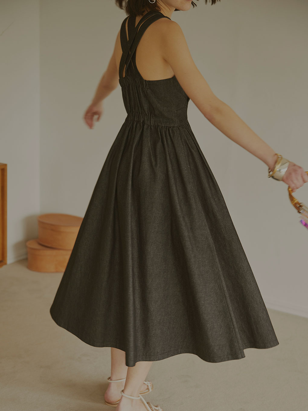 LADY ATTRACTIVE DRESS