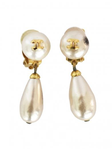 CHANEL PEARL SWING EARRINGS