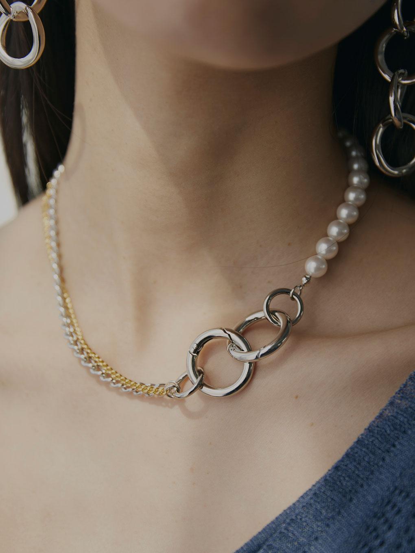 Bijou R.I Half Pearl Necklace