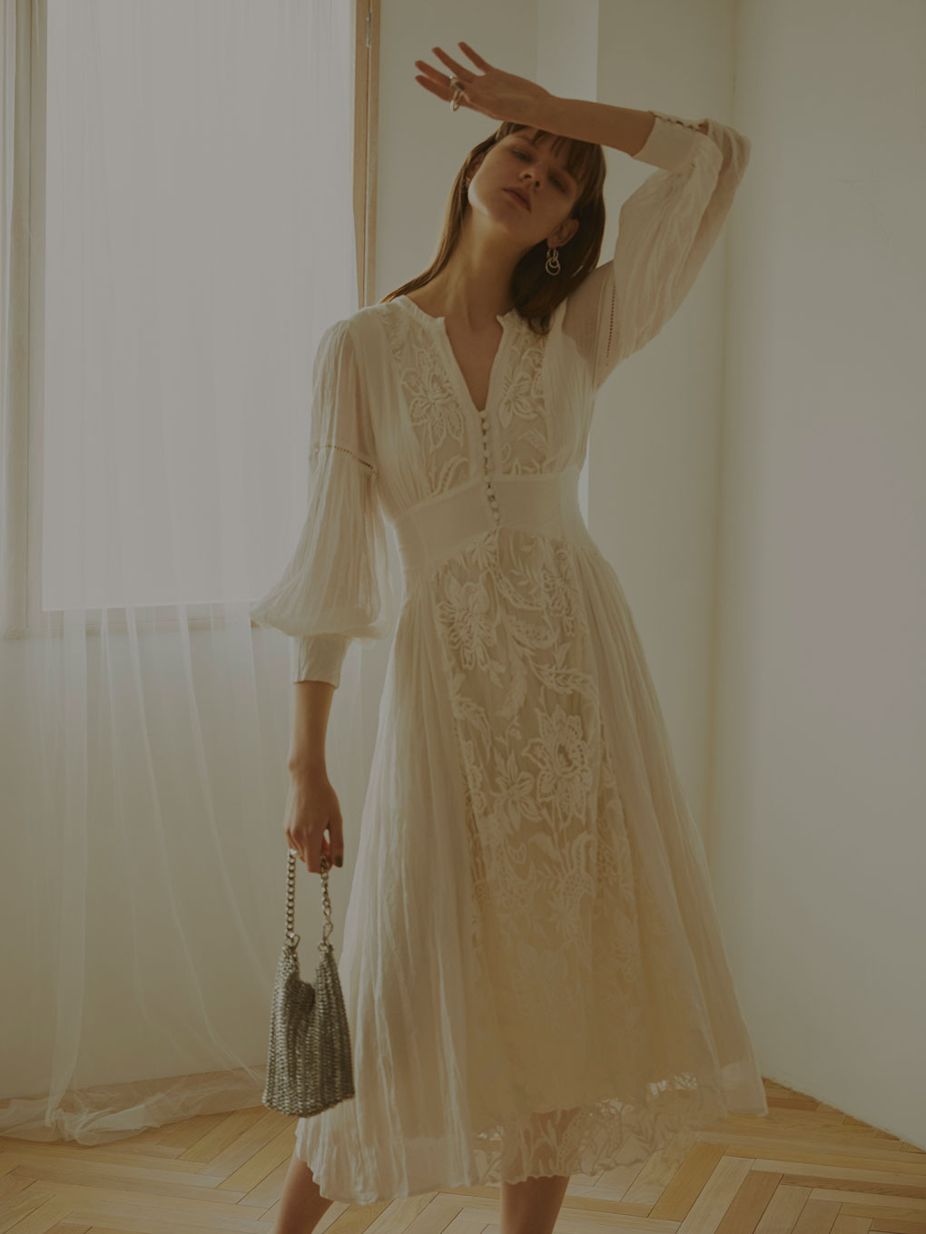 MEDI EMBROIDERY TULLE LACE DRESS
