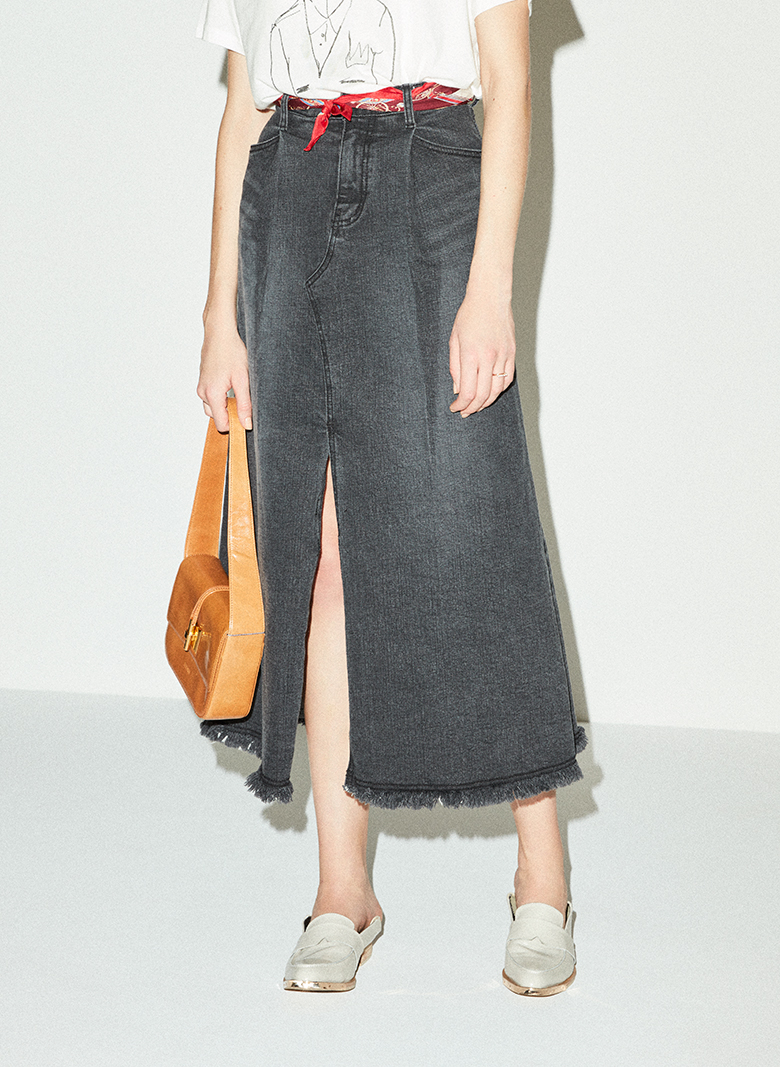 DEEP SLIT DENIM SKIRT