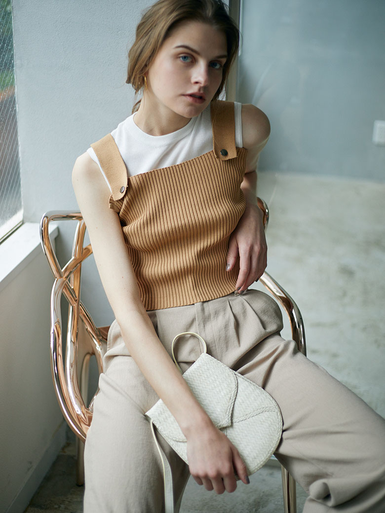 MEDI DOUBLE LAYERED KNIT TOP