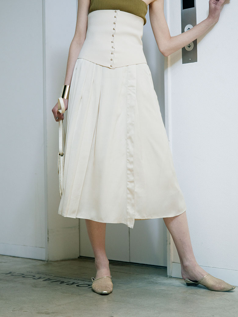 MEDI NARROW LINE SKIRT