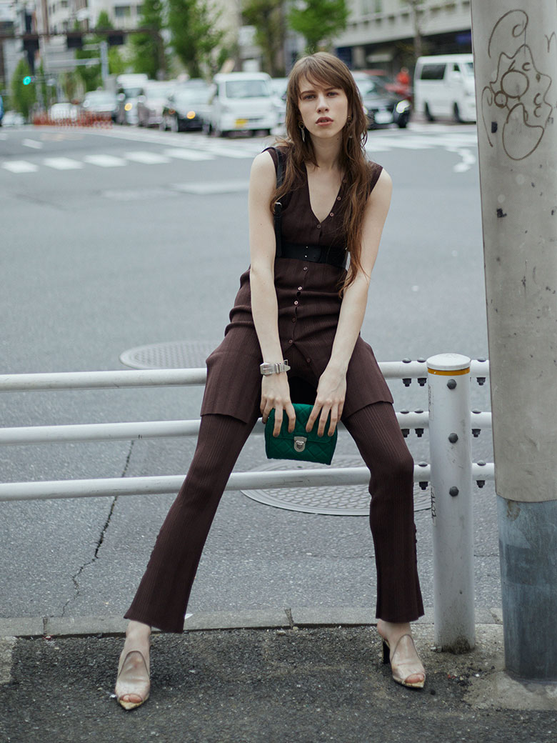 ANKLE BUTTON RIB PANTS