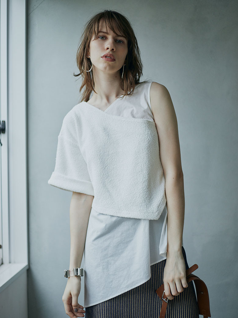 UNEVENNESS LAYERED TOP