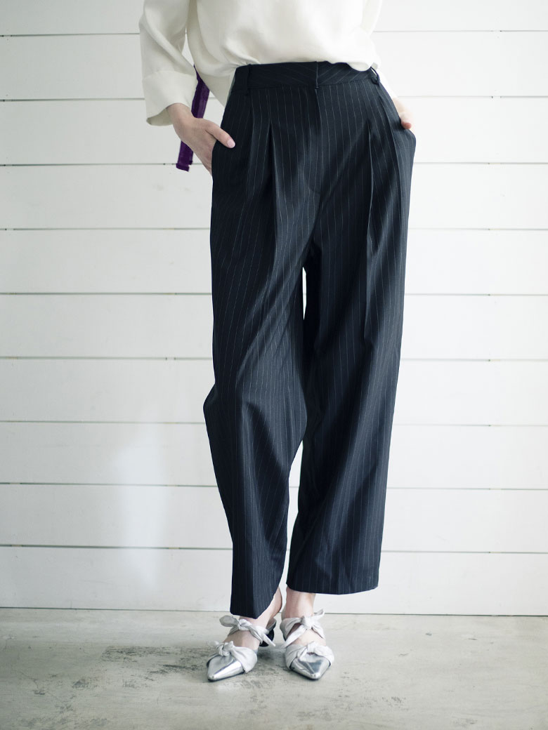 STRIPE TUCK PANTS