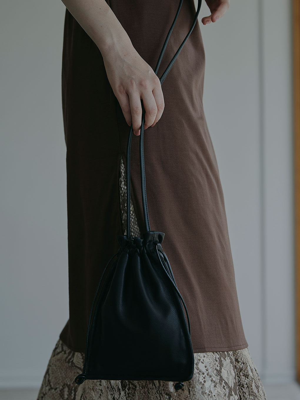 NARROW EASY LEATHER BAG