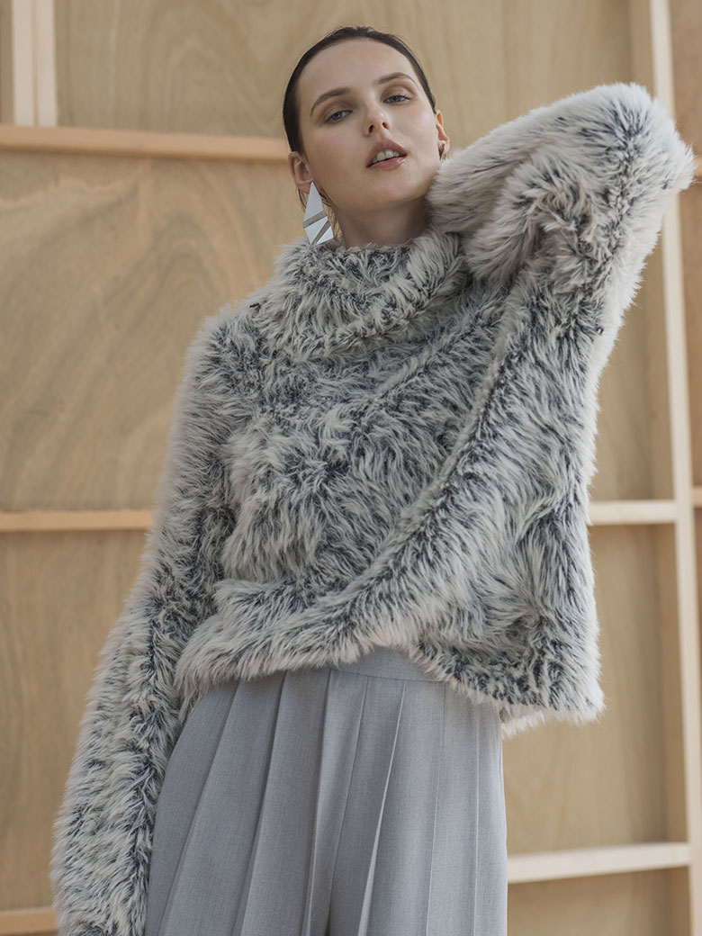 HUNTER FEATHER KNIT