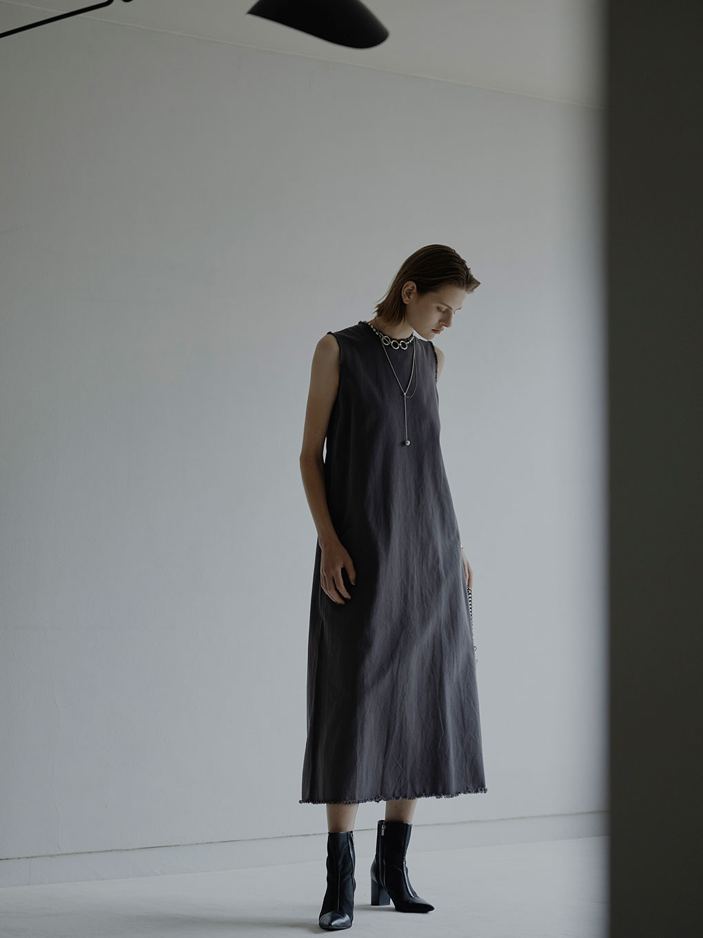 DAMAGE HEM TWILL DRESS