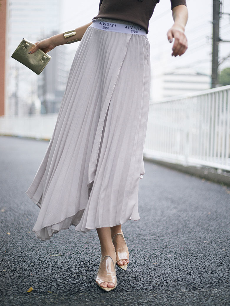 AMERI PASS CODE PLEATS SKIRT