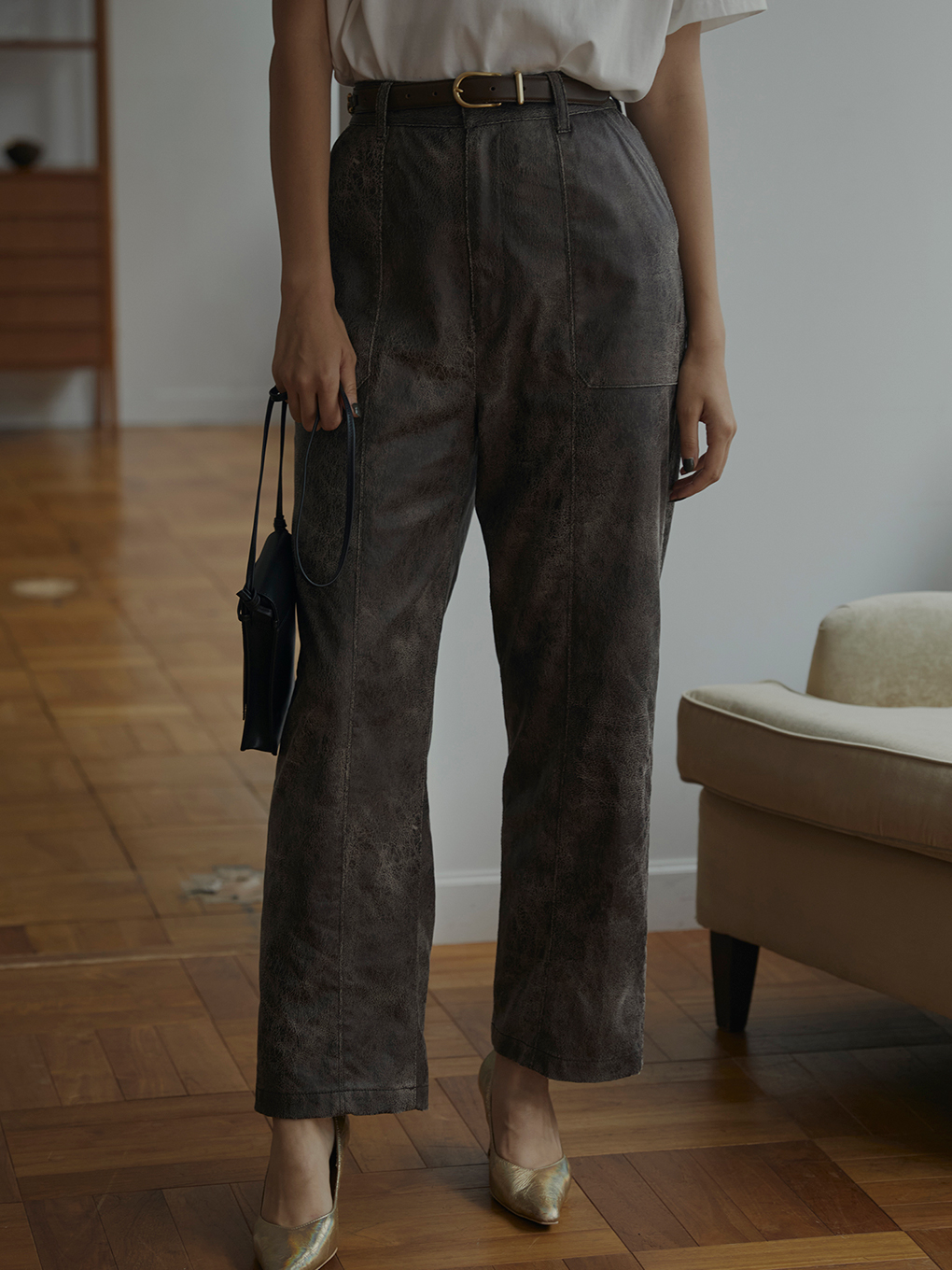CRUSHED LEATHER RELAX PANTS
