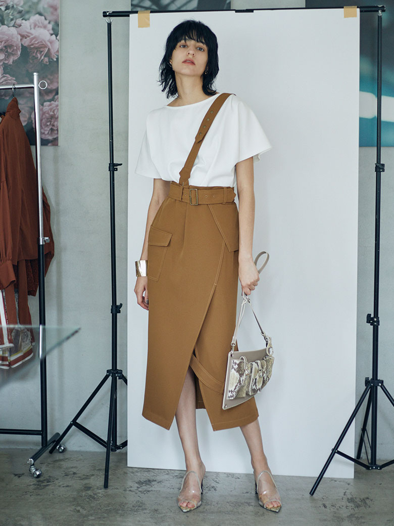 ONE SUSPENDER MILITARY SKIRT