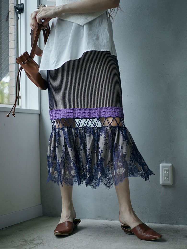 SCALLOP LACE KNIT SKIRT