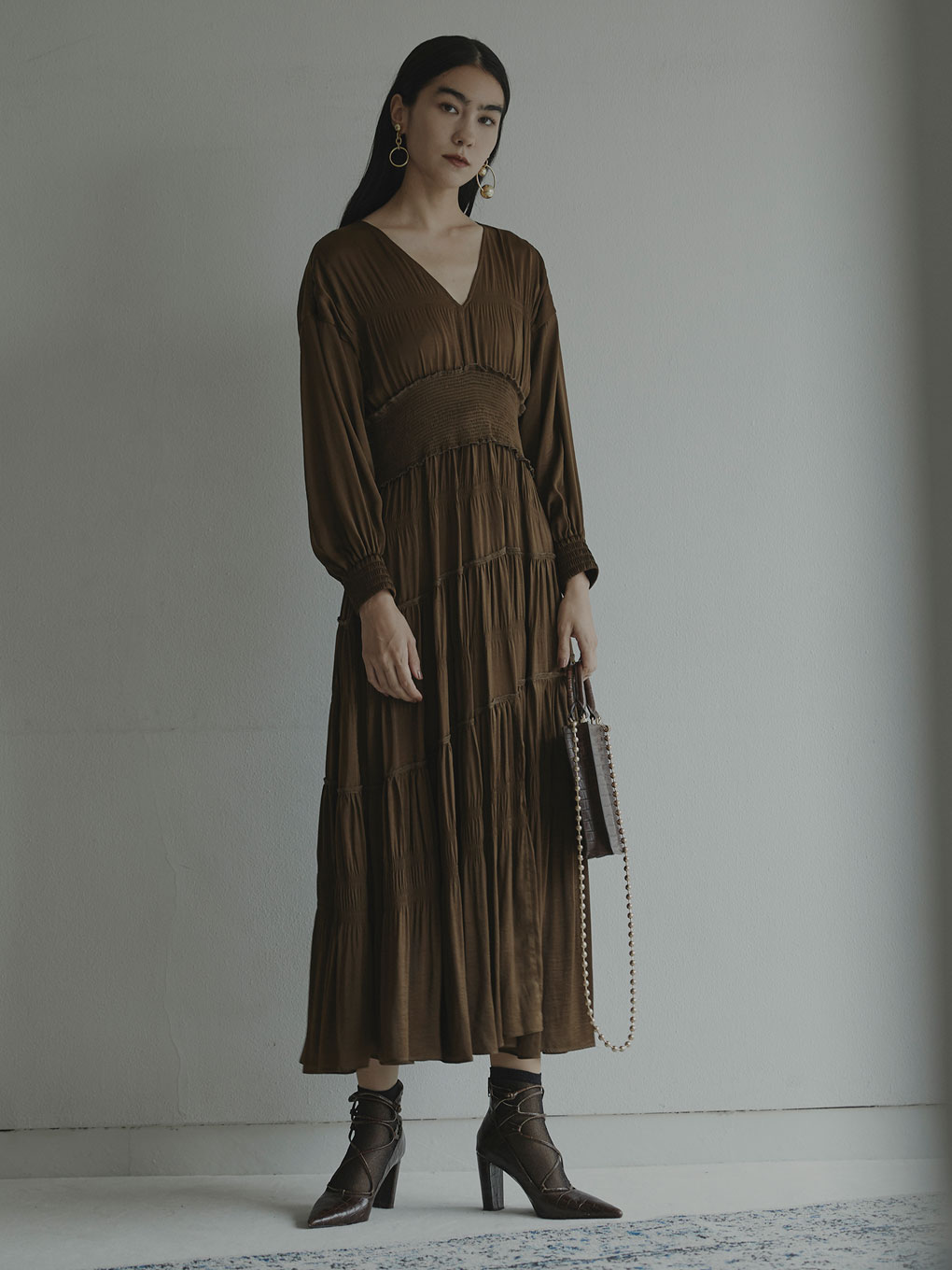 SLANT SHIRRING PLEATS DRESS