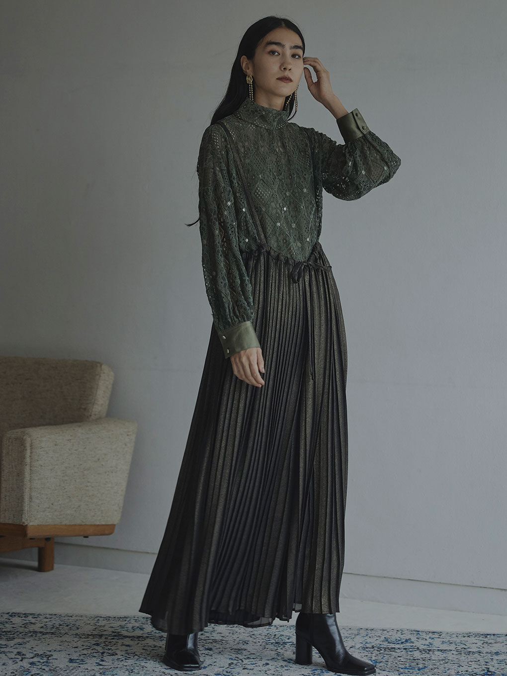 LAME PLEATS SUSPENDER PANTS