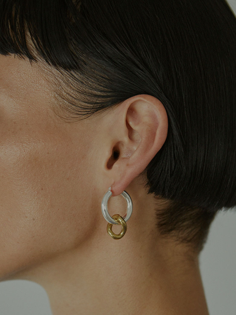LAURA LOMBARDI ONDA CHARM EARRINGS/ピアス