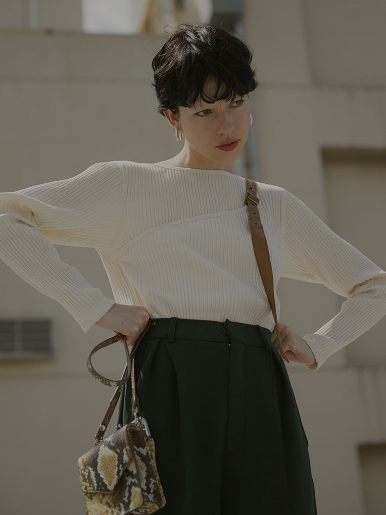 BELTED LAYERED RIB TOP