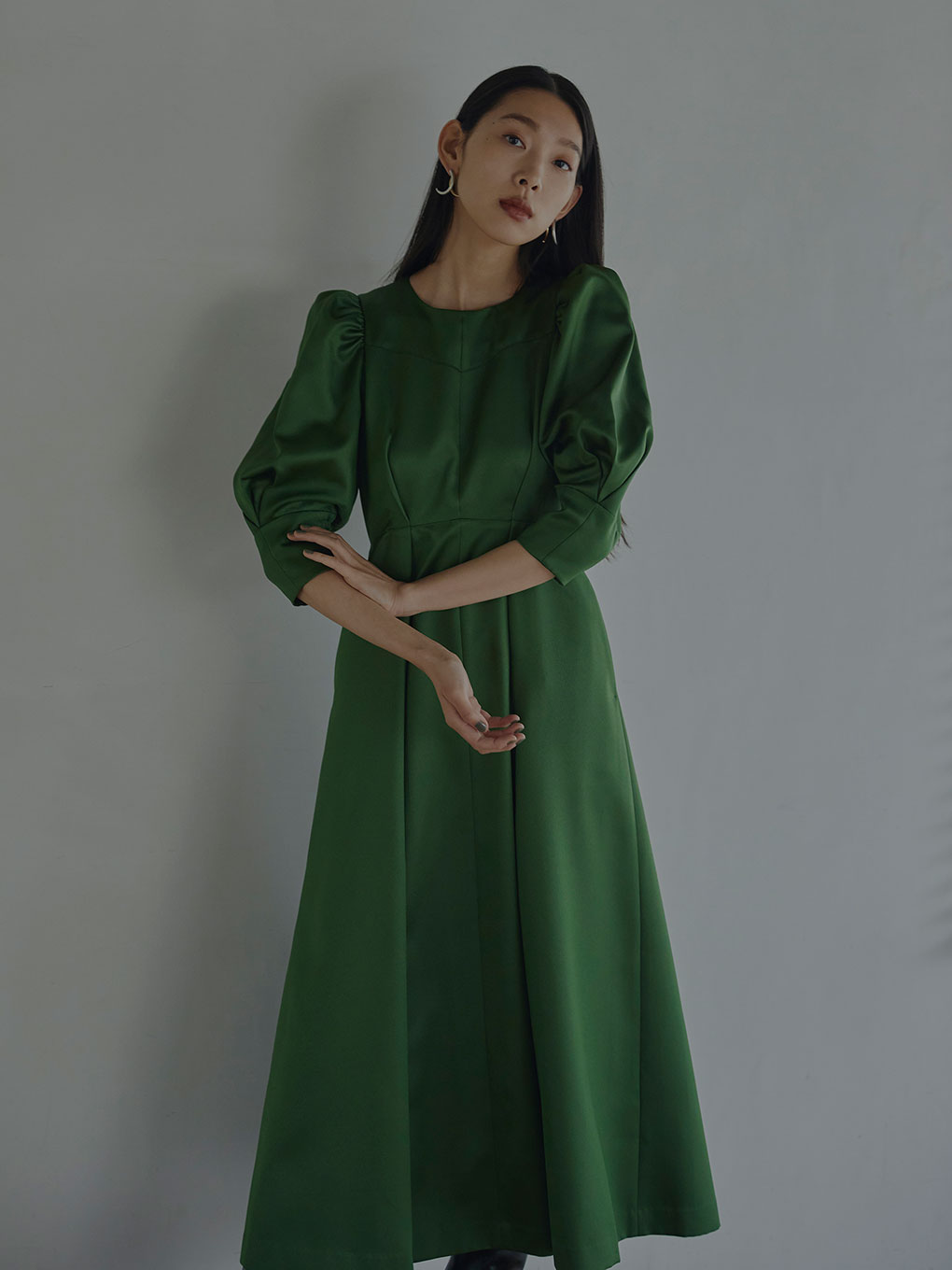 PUFF SLEEVE FLARED DRESS