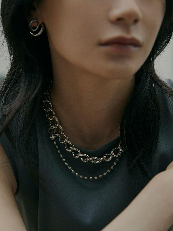 Bijou R.I Three Chain Necklace