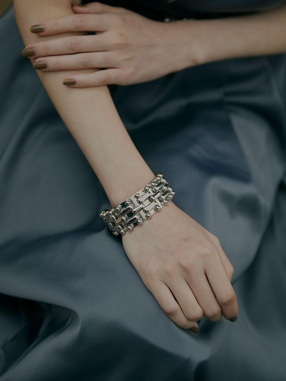 Bijou R.I Weave Chain Bangle